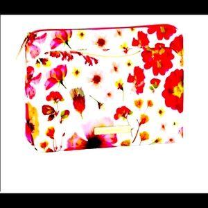 Tartan + Twine NWT Cosmetic bag